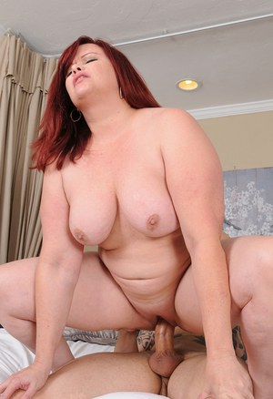 Fucking a bbw mature to a squirt orgasm 4