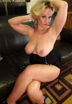 Fat Blonde Mature Pics