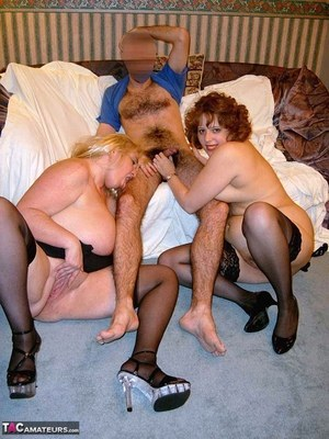 BBW Mature Threesome Pics