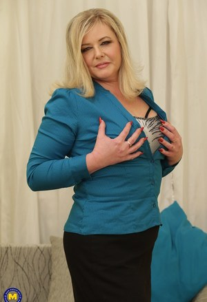 BBW Mature Housewives Pics